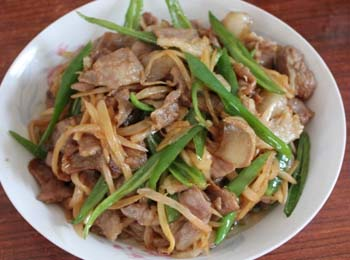 野菊花炒肉片