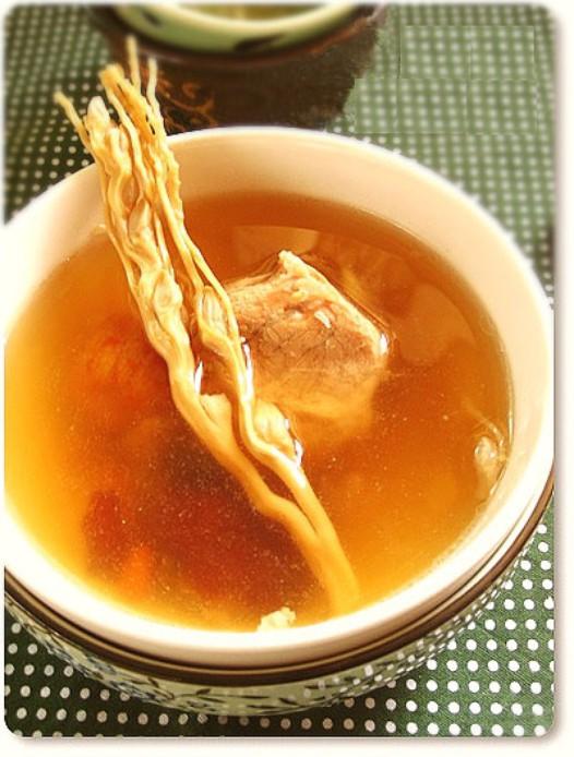 槟榔花瘦肉汤