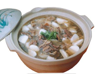 薏仁苓术羊肉煲