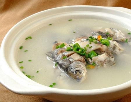 枳壳黄芪鲫鱼汤