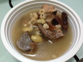扁豆薏米猪苓泽泻煲猪骨